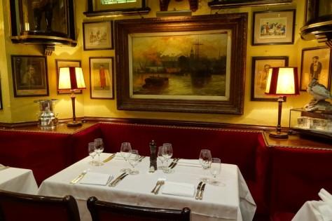 『007/スペクター』ロンドン・ロケ地 - 「ルールズ」レストラン