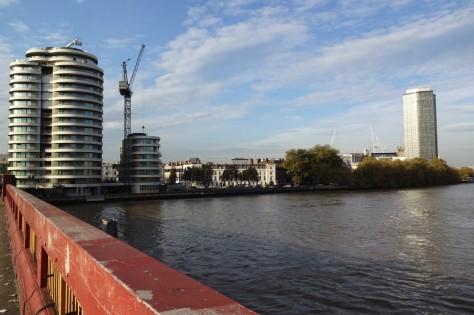 『007/スペクター』ロンドン・ロケ地 - ヴォクソール・ブリッジ(Riverwalk)