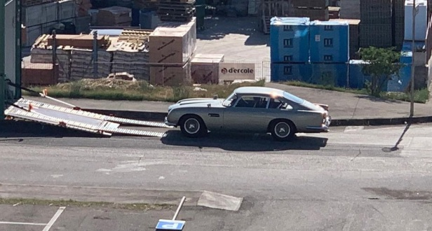 Aston Martin DB5 in Matera